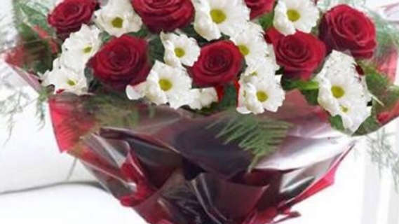 Valentine Crystal Bouquet (15roses)
