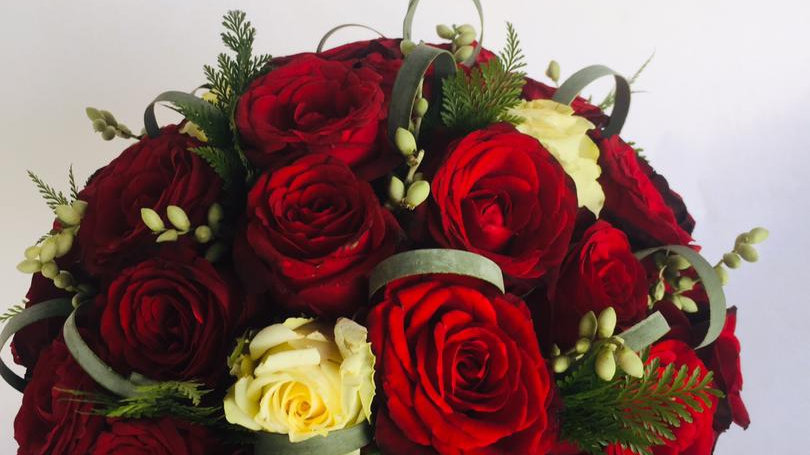 Valentine Pearl Bouquet (30roses)