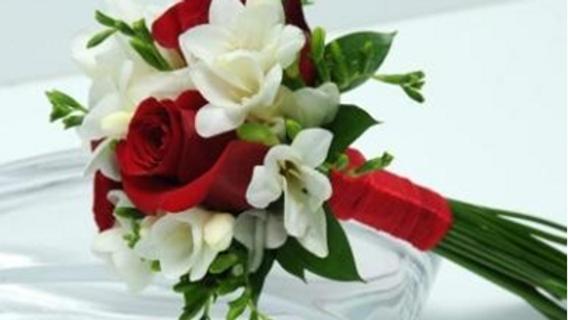 Valentine Passionate Love Bouquet (5roses)