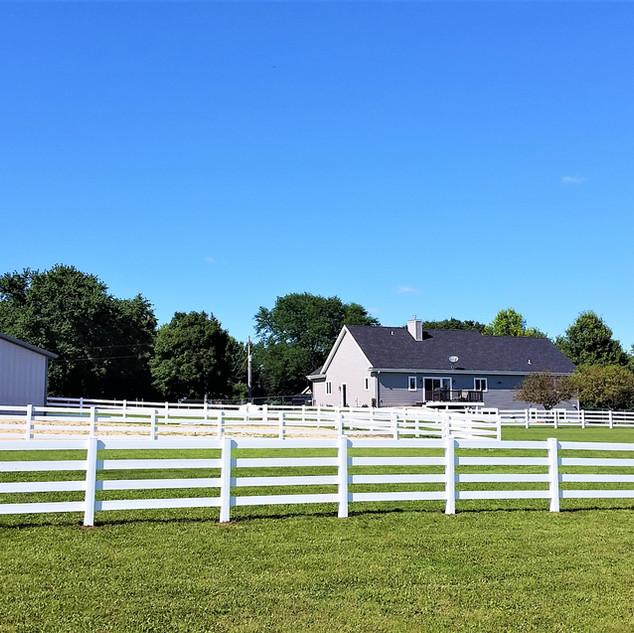 3 Rail Vinyl Fence Horse Farm - Behl Fen