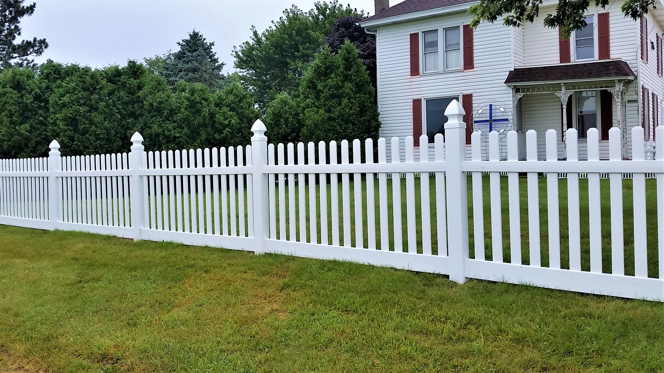4 ft Vinyl Straight Picket Fence with Gothic Cap - Behl Fence LLC