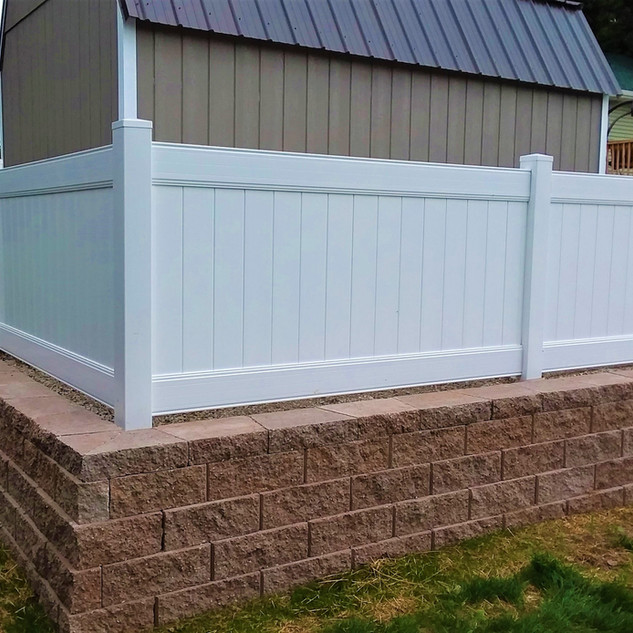 4 ft VInyl Privacy Fence - Behl Fence LL