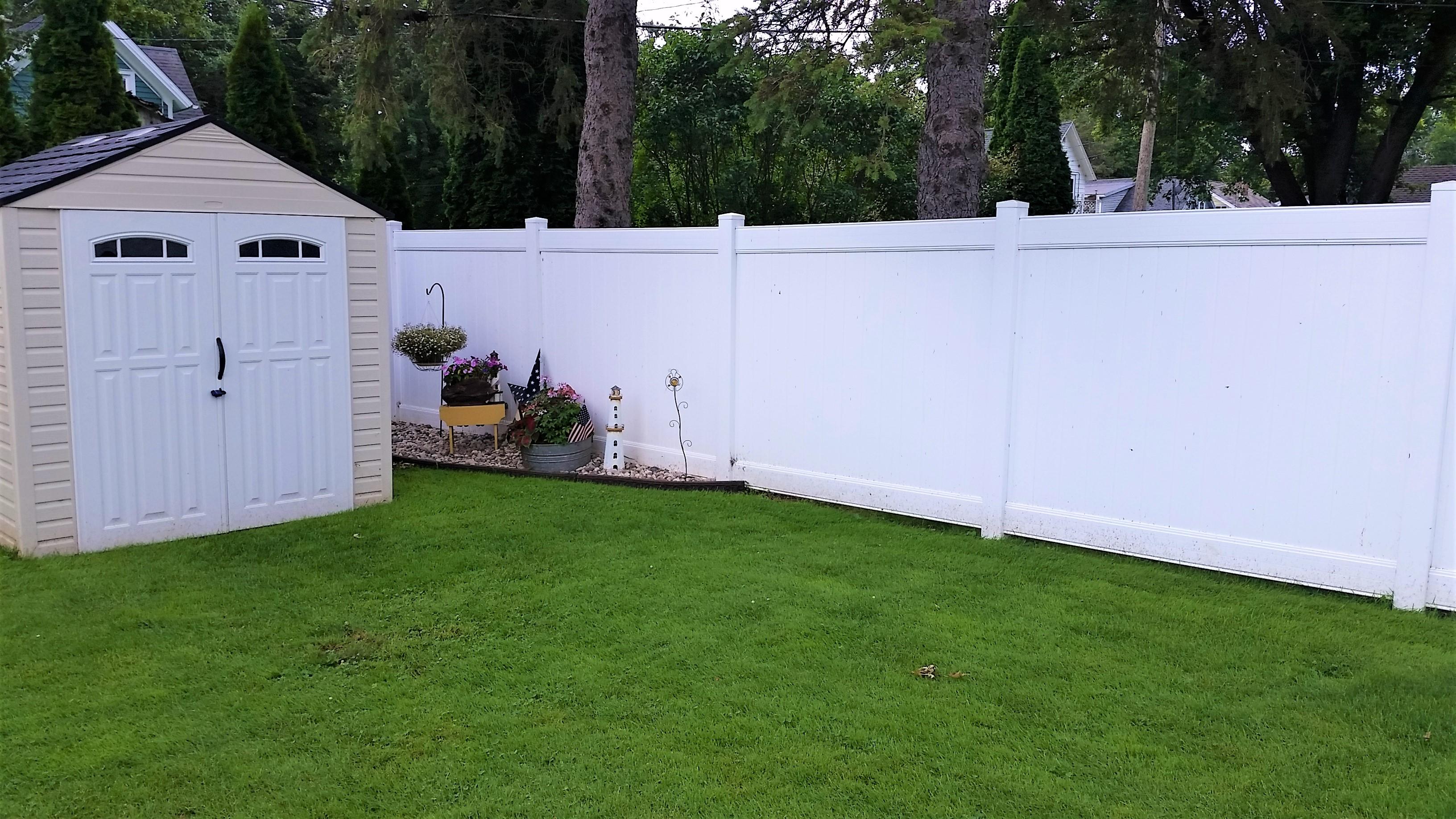 White Vinyl 6 ft Privacy Fence - Behl Fence LLC