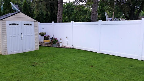 Vinyl Privacy Fence - Behl Fence Wisconsin