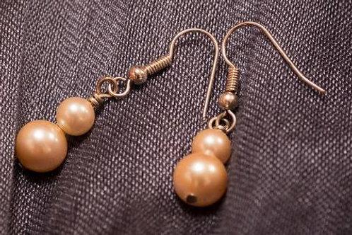 Pearl drops earrings
