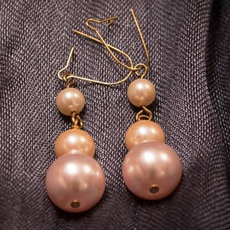 Pink and cream pearl drops earrings