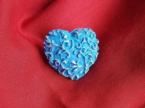 Filigree heart pin
