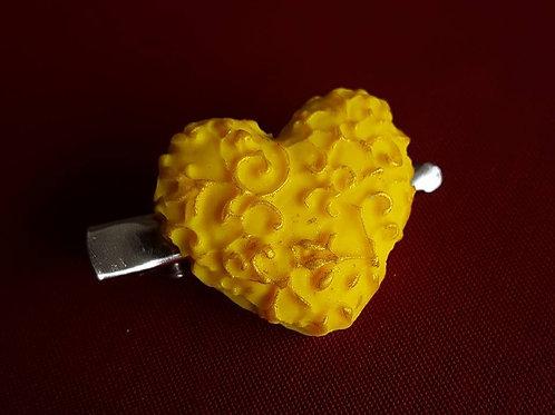 Filigree heart clip