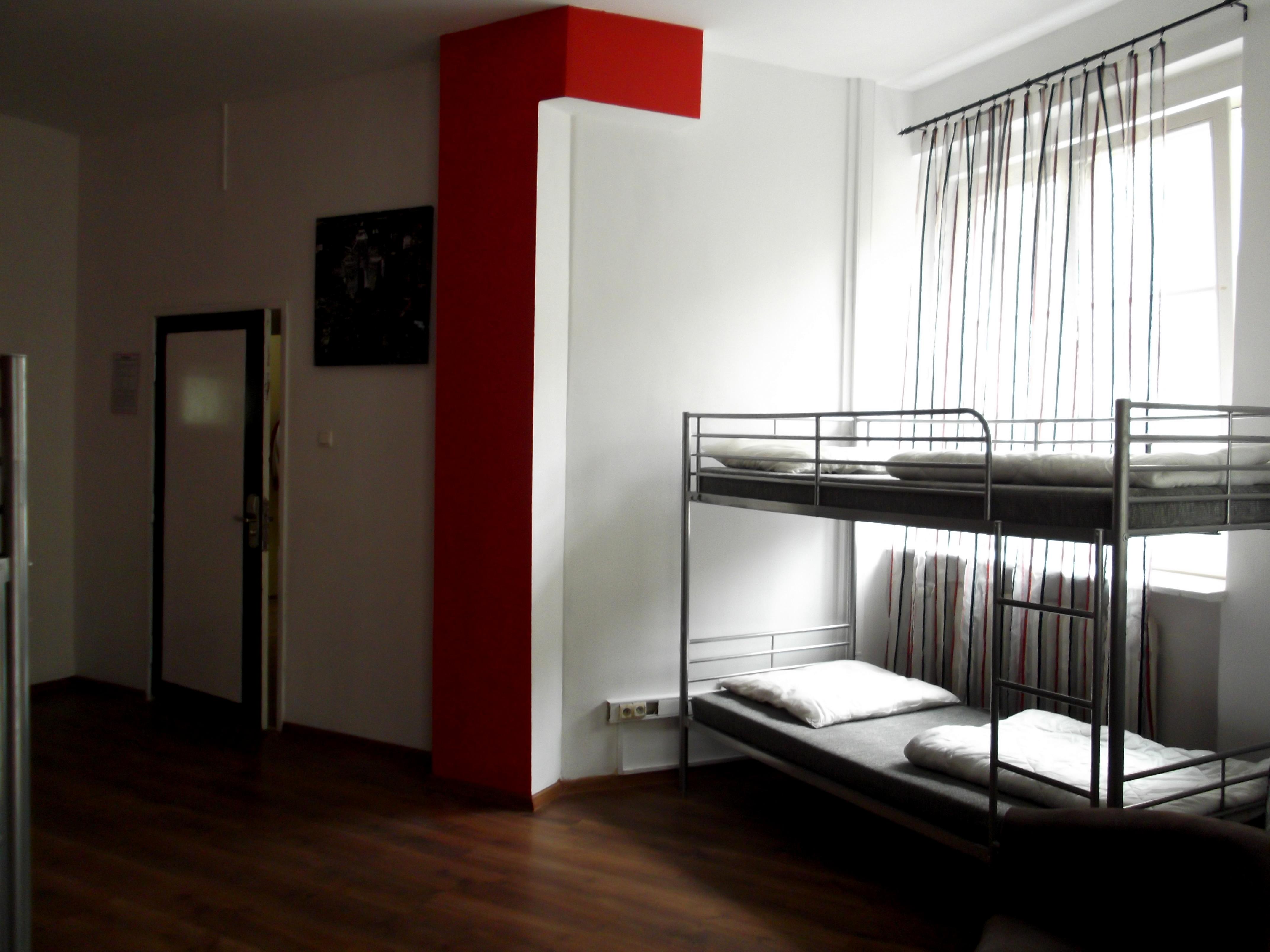 Pokój 8- Osobowy - ART Hostel Poznań