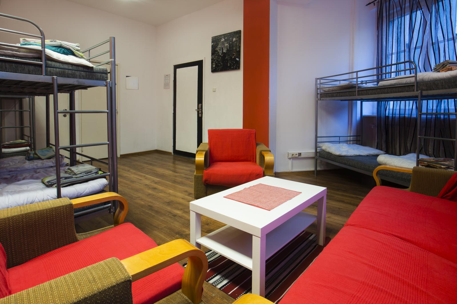 Pokój 8 osobowy w ART Hostel Poznań