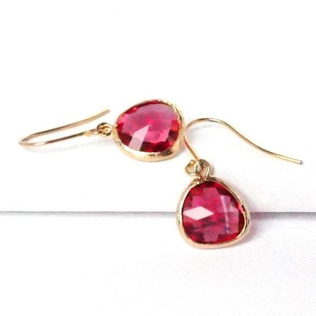Short-Glass-Briolette-Earrings-Gold-Fuchsia_grande.jpeg