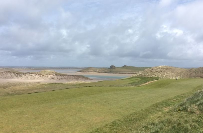 Eleventh green on the ocean inlet
