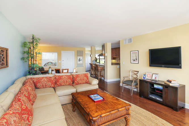 660 Golden Gate Point Unit 41-small-008-