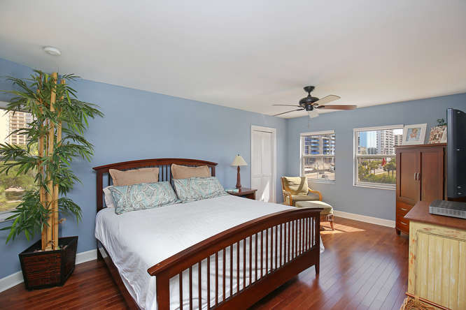 660 Golden Gate Point Unit 41-small-014-