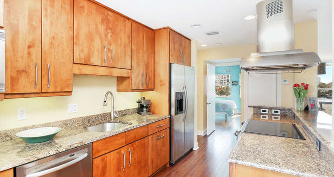 660 Golden Gate Point Unit 41-small-011-