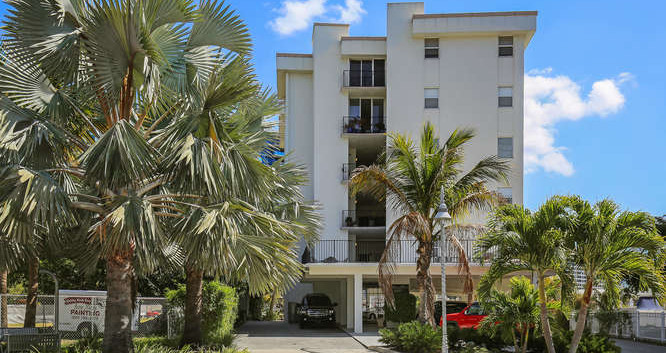 660 Golden Gate Point Unit 41-small-001-