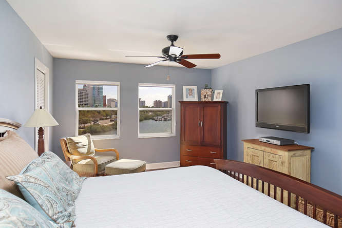 660 Golden Gate Point Unit 41-small-015-