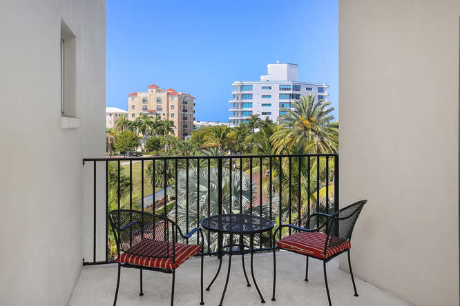 660 Golden Gate Point Unit 41-small-020-