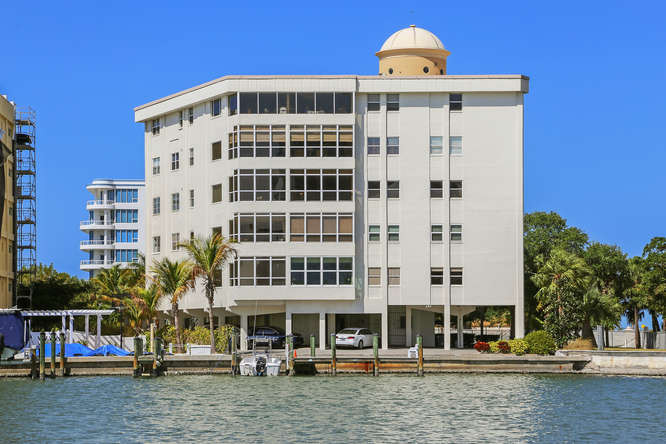 660 Golden Gate Point Unit 41-small-024-