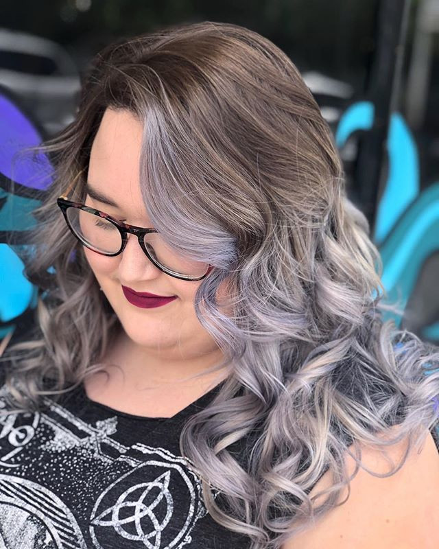 DARK N DUSTY💀MEOW _BOOK with _nikkiscandalous for all your silver hair dreams! _HaircolorOrlando.jpg