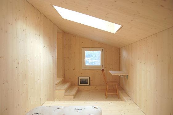 D5_Dachzimmer.jpg Martin Dubach Architekt und Katrin Gurtner Architektin gud Architekten