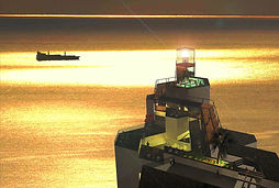 東尋坊の灯台 - 夕日のシーン