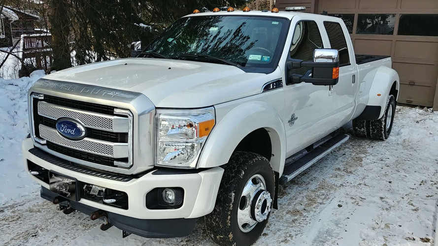 2015-Ford-F350-Dually-White.jpg
