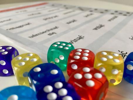 Gra roll the word. Jak utrwalać czasowniki zakończone na -ąć i stopniowanie przymiotników (A1+/B1+)