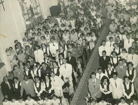Missa comemorativa da primeira turma de formandas da Escola Normal de São Gonçalo