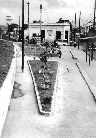 Praça da Lira, em Neves