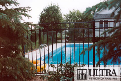 Ultra Aluminum Pool Fence