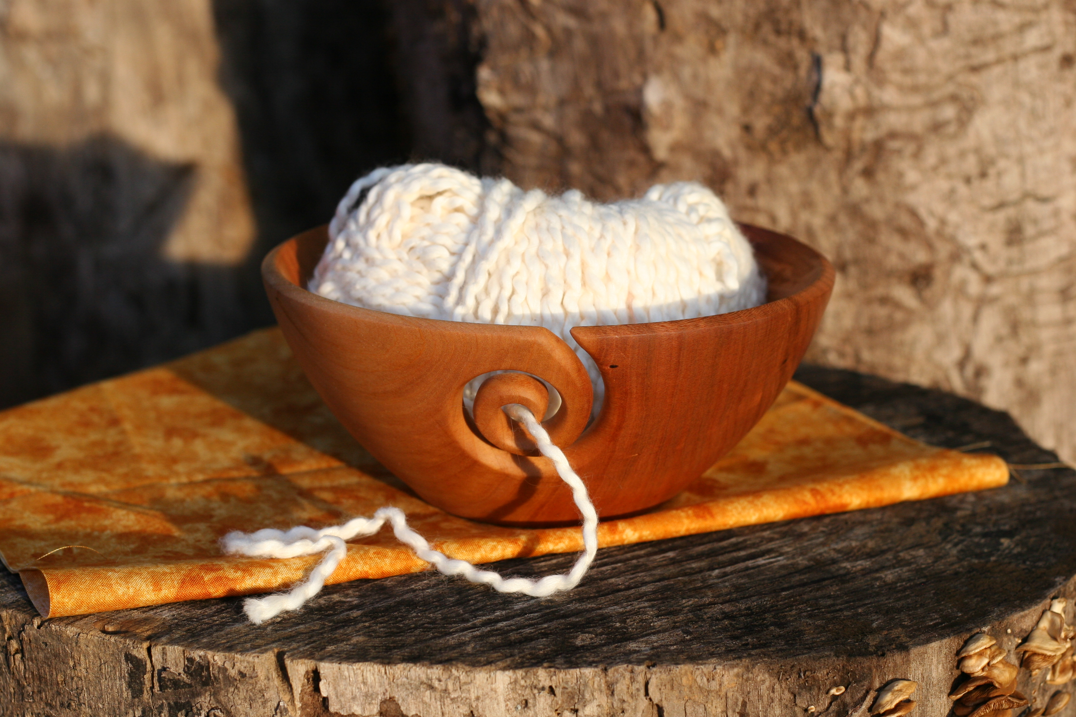 Yarn bowl cherry