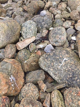 Skaw Granite - rare, rare, rare rock!