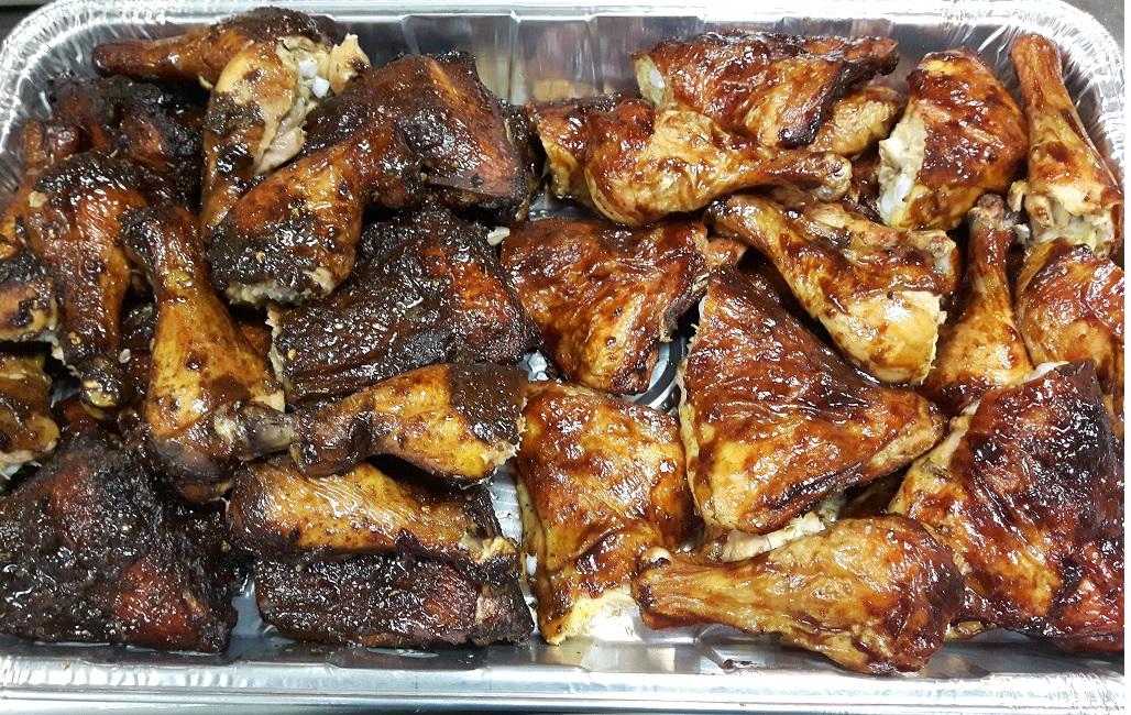 half jerk half bbq chicken tray