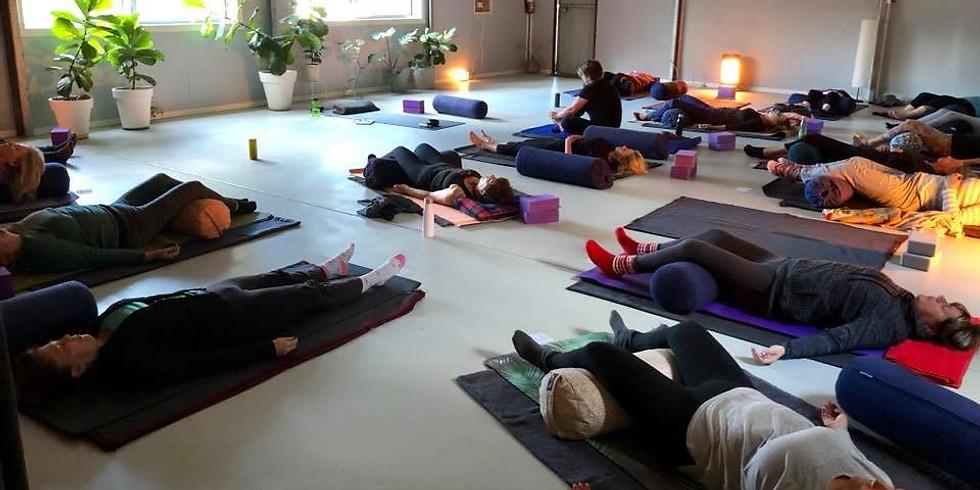 Canungra Yoga & The Clean Living Clinic- Yin Yoga, Massage & essential oils