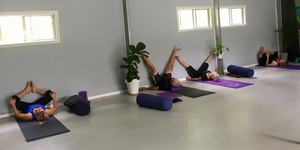 Beaudesert pop-up class: yoga, massage & essential oils!