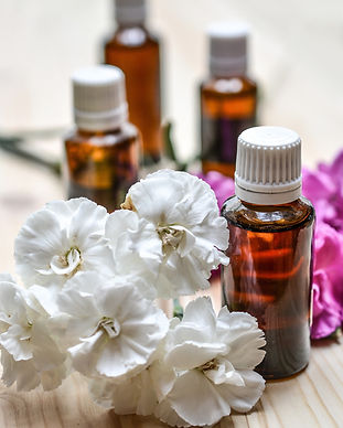essential-oils-1433693_1920.jpg