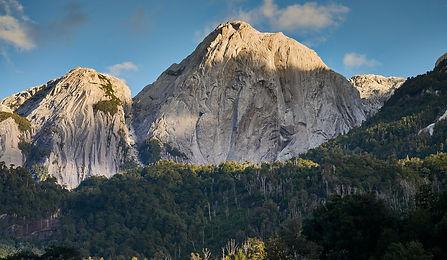 La Junta, Cochamo, valle cochamo, camping, escalada, trekking, senderismo, sendero valle cochamo, cerro trinidad, laguna trinidad