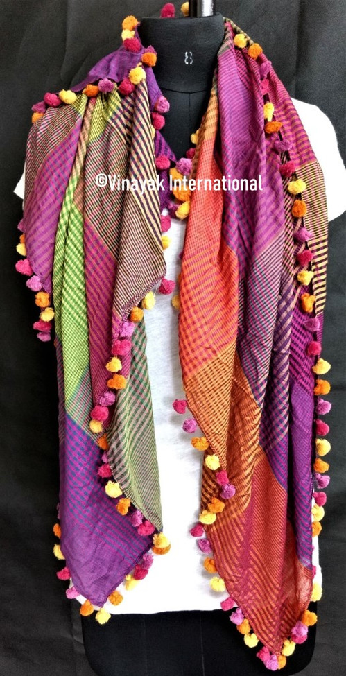 Razzmatazz stole with multicolour tassels