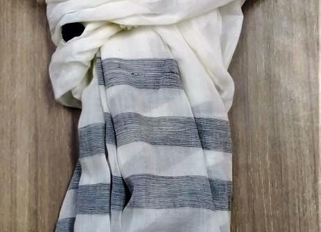 Look of white-grey striped scarf
