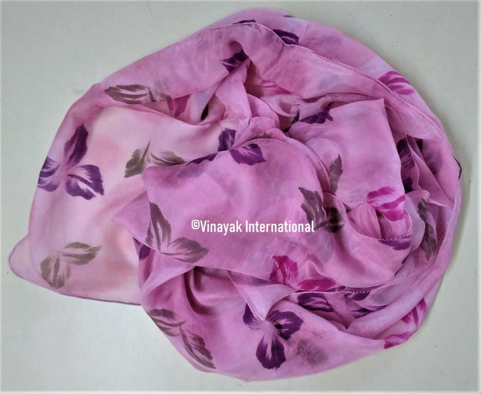 Pink stole with varying flowers