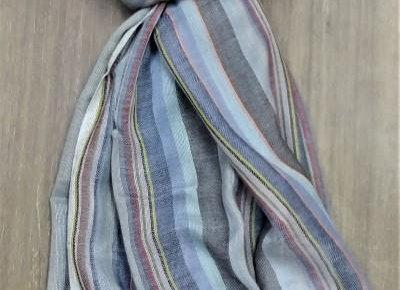 Look of multi-colour handmade scarf/stole