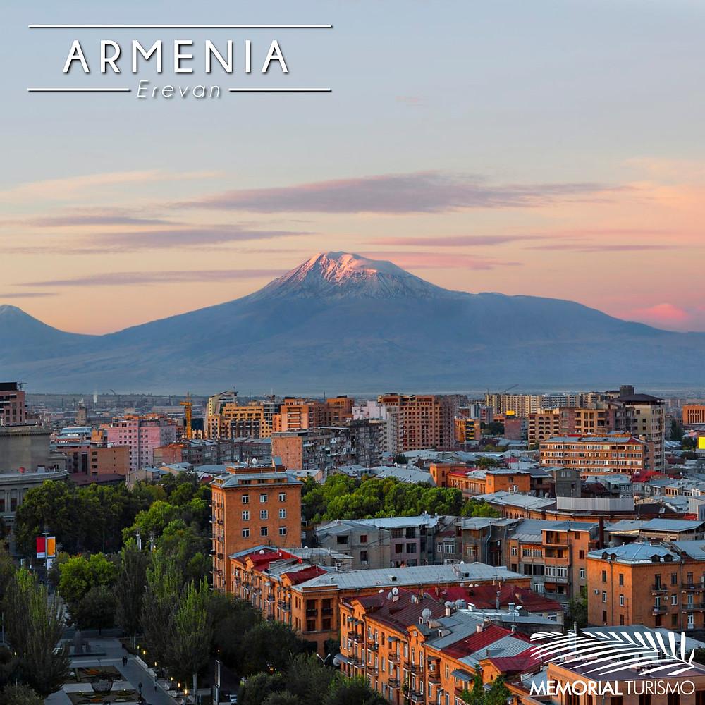 Vista da capital da Armênia, Erevan