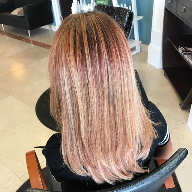 Is it rose_ Is it gold_ It's BOTH! 😍😍 love this color cut and style by Kimmi!  Book your appointme
