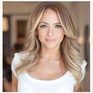 Add a few face framing highlights for dimension &a top it off with a BOMBSHELL Blowout! Get Face Fra