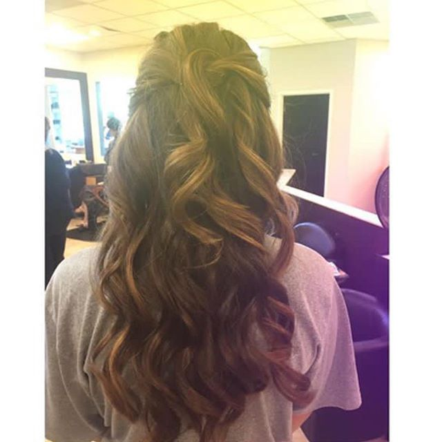 Loose romance curls by Stylist Cina! Get in her chair today! 973-628-7866_FacesPlusSalon •_•_•_#hair