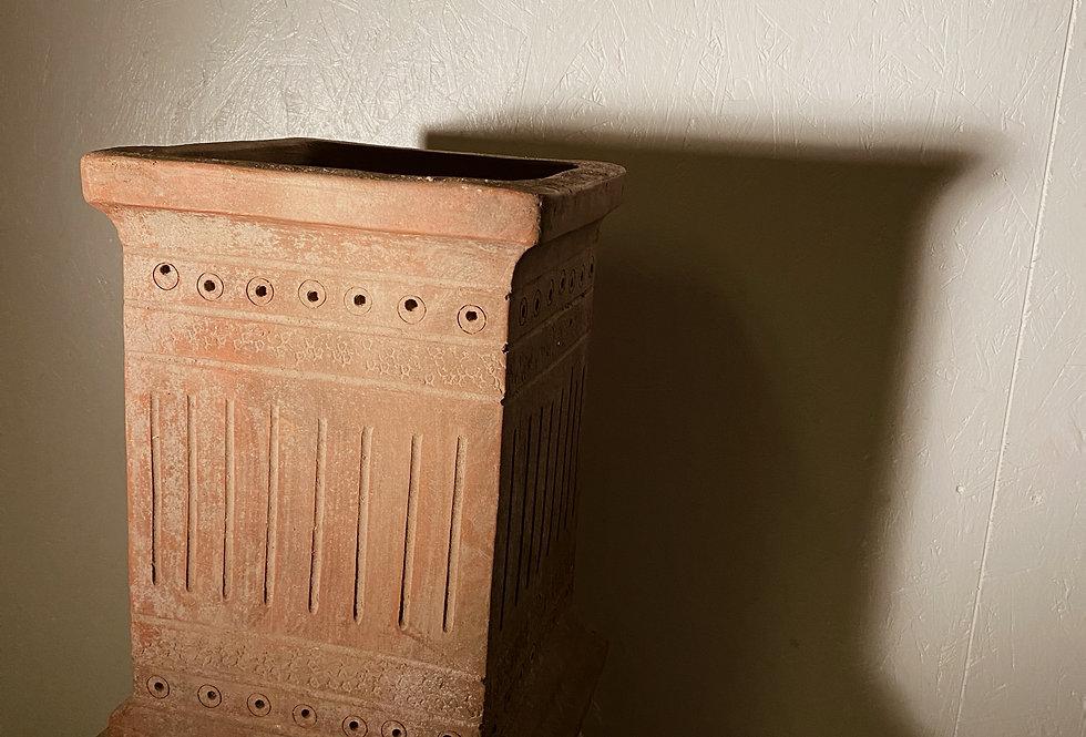 Motif Chimney Vase