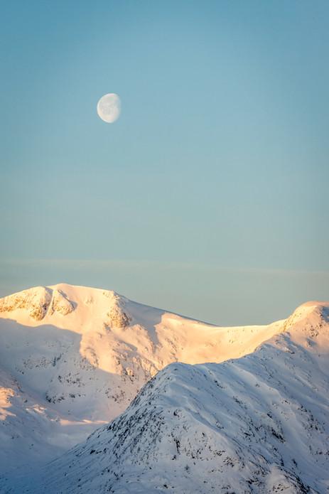 Moon & Stob Ghabhar