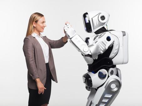 飲食店は配膳ロボットを活用する時代