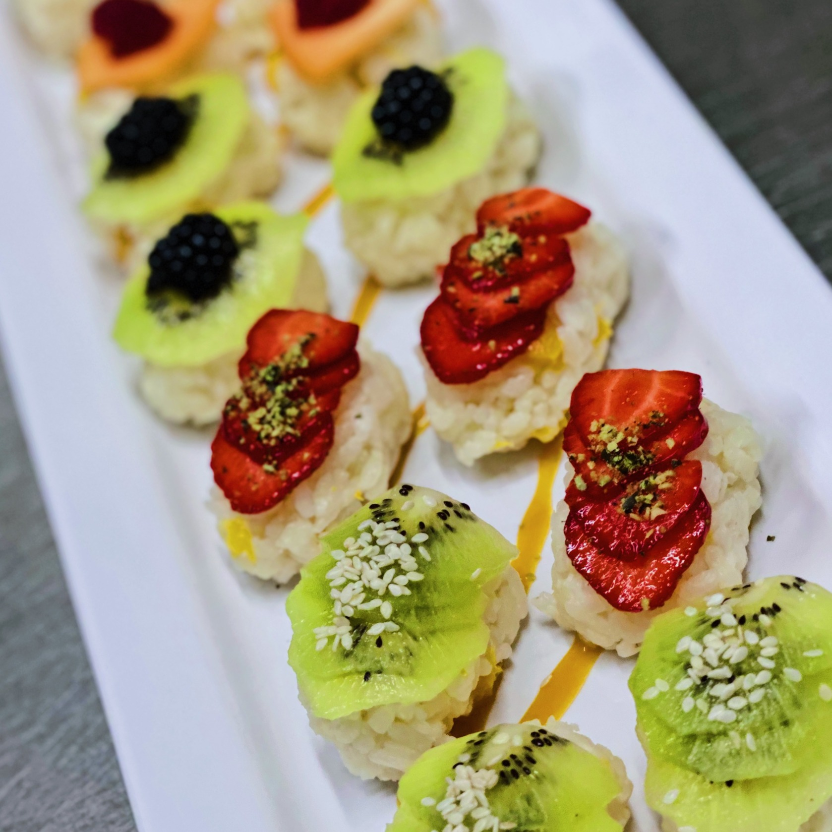 Catering-Colosseum-Sweet-Sushi-Mix